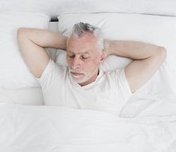 Спальное место для пожилого человека: как выбрать ортопедический матрас?